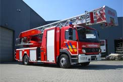 Turntable fire engines